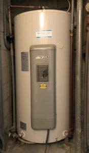 施工前の電気温水器 電気温水器 三菱電機SRG-3043M